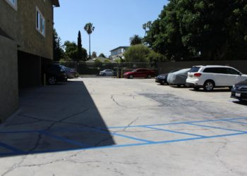 Breezes 1 Parking Lot