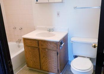 Gary III Bathroom
