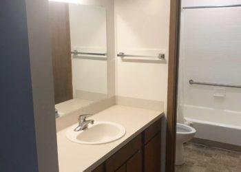 Golden Links Bathroom