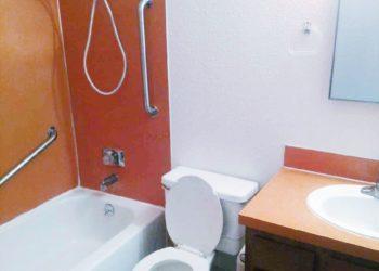 Oakhaven Bathroom