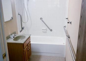 Plaza II Bathroom