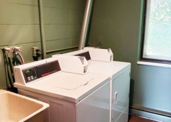 White Cliff Laundry Room